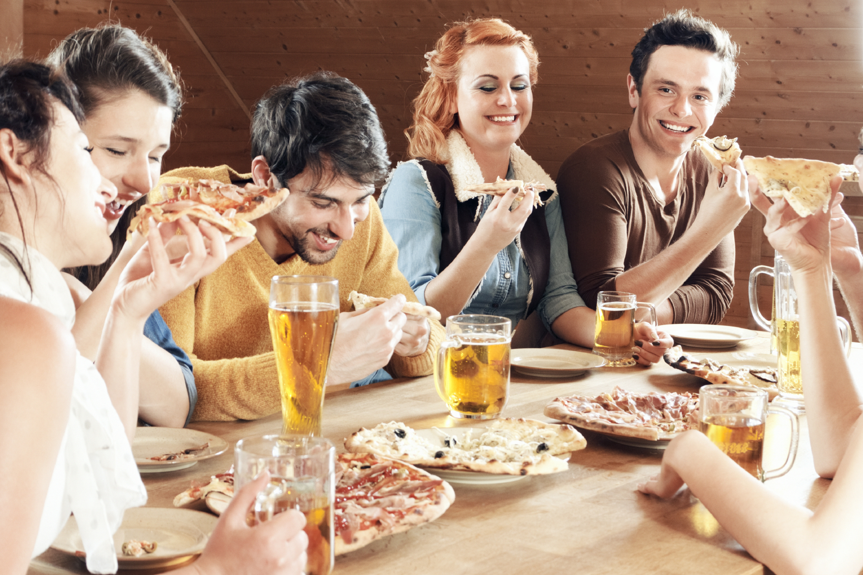 Why Dining in Groups Changes Our Eating Habits